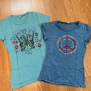 Bundle of 2 Natural Life graphic t-shirts (S)